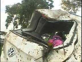 Uma pessoa morre e quatro ficam feridas na BR 277 - O acidente foi ontem à noite, entre Medianeira e São Miguel.