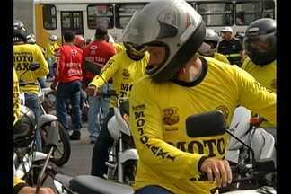 800 mototaxistas regularizados passam a circular em Belém - O repórter Guilherme Mendes tem as informações.