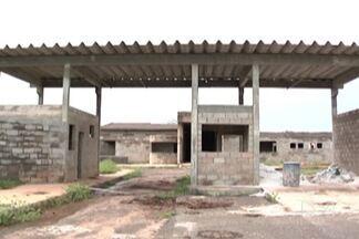 Construção do presídio de Imperatriz está parada e sem previsão para o término - Presídio, com capacidade para 220 presos, ajudaria a reduzir a superlotação nas unidades prisionais da região.