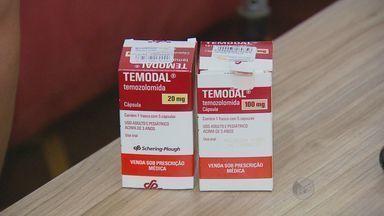 Pacientes de Limeira entram na Justiça para receber remédios de alto custo - Levantamento da Prefeitura de Limeira (SP) aponta que moradores têm entrado na Justiça para que direito a receber medicamentos seja cumprido.
