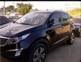 Suspeitos de roubo de veículos são presos em São Pedro da Aldeia, RJ - Dois homens foram presos suspeitos de participar de uma quadrilha.Os suspeitos roubavam veículos em Minas Gerais.