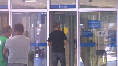 Banco decide pagar cliente que recebeu cédula falsa em agência - Nota foi retida por outro banco