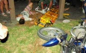 Dois motociclistas ficam feridos em acidente no Sul do ES - Acidente aconteceu por volta das 20h, na Vila de Itapemirim.