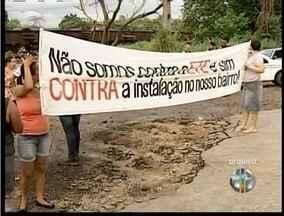 Pelo segundia dia consecutivo moradores de Valadares protestam contra construção da Ete - Estação de Tratamento de Esgoto dever ser construída no bairro Santos Dumont.
