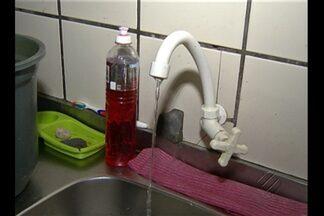 Água volta às torneiras no bairro do Marco - Moradores estavam há dias sem abastecimento de água.
