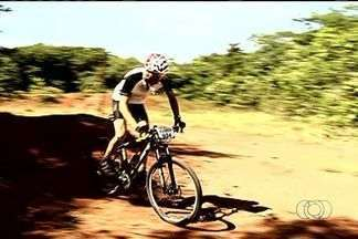 Mountain Bike agita fim de semana em Jataí - Competição foi disputada por 23 ciclistas em circuito fechado, cheio de obstáculos.