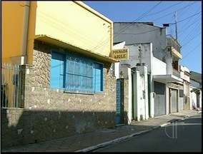 Conselho Tutelar encontra menores em casa de prostituição de Campos - Sexo e idade de crianças não foram divulgados.Segundo o Conselho, mãe obrigava menores a ficarem na casa.