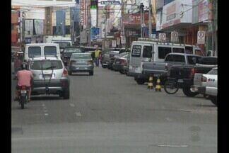 Estacionamento pode ser modificado no Centro de Campina Grande - Trânsito da rua João Pessoa é alvo de reclamação de comerciantes e motoristas.