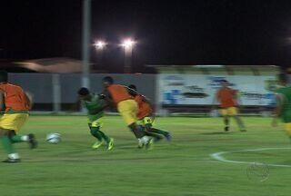 Socorrense se prepara para enfrentar o Curitiba - Pouca iluminação pode se tornar uma aliada para o Socorrense. A equipe teve alguns treinos no mesmo horário que vai acontecer o jogo. O time espera que esse fator favoreça a equipe.