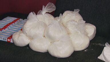 Polícia desarticula quadrilha de tráfico e apreende drogas e armas em Hortolândia - Três suspeitos foram detidos, segundo a Polícia Civil. Aproximadamente 17 quilos de cocaína também foram apreendidos, além de duas armas e veículos.