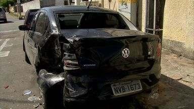 Tentativa de assalto acaba em perseguição e tiroteio - Crime ocorreu na Rua Coronel Alves Teixeira, em Fortaleza.