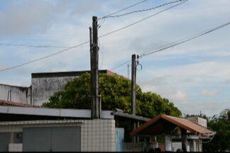 JPB2JP: Empresa retira poste que ameaçava cair - Estrutura ficou danificada após acidente.