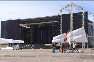 Estrutura do Festival de Verão é montada e ganha novidades - Palco principal ganhou uma passarela que permite ao artista se aproximar mais do público.