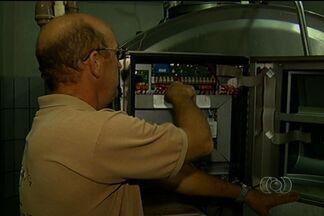 Produtores rurais reclamam de quedas de energia em Silvânia - Os produtores argumentam que além dos prejuízos, as quedas de energia impedem qualquer tipo de investimento tecnológico.