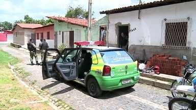 Aumento no número de roubos preocupa várias cidades brasileiras - Em Teresina, de cada dez veículos roubados, oito são motos. Em São Luís, quase mil motocicletas foram roubadas em 2013, mas os ônibus continuam sendo o alvo mais frequente. No interior de São Paulo, bandidos explodiram mais um caixa eletrônico.