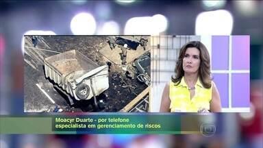 Moacyr Duarte explica acidente em passarela do Rio de Janeiro - Especialista diz que a estrutura não tem resistência lateral
