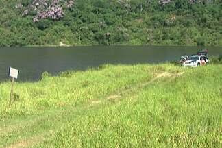 Cinco adolescentes morrem afogados em lago artificial em Santo André, no ABC - O lugar, que está fechado ao público há oito anos, fica dentro de um parque da cidade. Os amigos com idades entre 12 e 17 anos não foram à escola para nadar no chamado Tanque da Morte.
