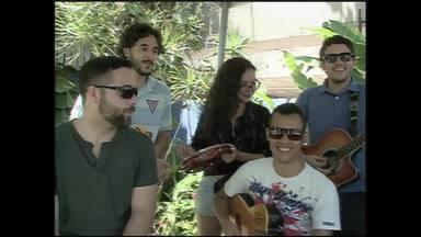 Banda Mr. Freeze volta aos palcos após mais de 5 anos parada - Banda traz uma mistura de rock com Maracatu. Fãs pediram o retorno nas redes sociais e os músicos atenderam aos pedidos.
