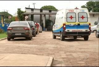 Carros estacionam no lugar de ambulâncias no Pronto Socorro Municipal - Ano passado, um veículo foi guinchado por esta prática.