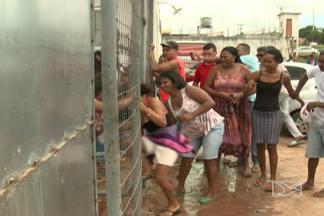 Parentes de presos de pedrinhas viveram dia de tensão por causa de um motim - Problema aconteceu nos presídios São Luís 1 e 2. A segurança no local teve que ser reforçada.