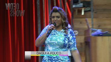 Preta Gil arrasa nos bastidores do Vídeo Show - Assista a prévia do programa