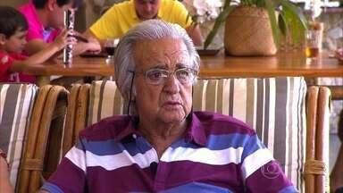 Homem de 78 anos é o recordista de tempo com o coração transplantado no Brasil - Seu Waldir carrega no peito um recorde. Ele vive há 27 anos com um coração transplantado, um fato inédito no Brasil. Ele ganhou o órgão justamente no dia de seu aniversário de 51 anos.