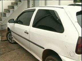 Adolescentes matam trabalhador rural para roubar o carro, diz Polícia - Foi em Alto Piquiri. Vítima teria dado carona para os dois jovens, de 16 anos. Corpo está no IML de Umuarama.
