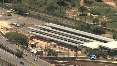 Rodoviários entram em greve em Belo Horizonte e cobram reajuste de 21,5% - Empresas alegam que não tem como atender às reivindicações. Paralisação afeta passageiros na capital e Região Metropolitana.