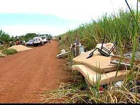 Operação reintegra posse de reserva ambiental às margens do Rio Grande - Cerca de 150 ranchos construídos serão desocupados pelas polícias. Posseiros serão processados por invasão de área de preservação.