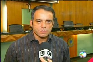 Promotor de defesa ao consumidor de Uberlândia fala sobre horário dos caixas eletrônicos - Agências bancárias estão restringindo horário de atendimento nos caixas eletrônicos do interior das agências.