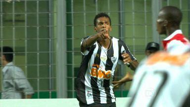 Galo vence de virada na Libertadores - Com duas vitórias e dois jogos, a Atlético é o líder do grupo 4 da Libertadores.