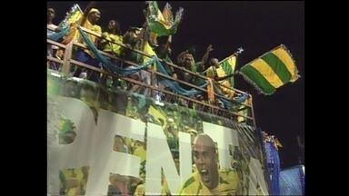 Em 2003, a Tradição desfilou no Grupo Especial com o enredo sobre Ronaldo Fenômeno - Escola falou sobre a conquista do Penta na avenida.