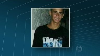 Adolescente morre durante briga de bate-bolas em Bento Ribeiro - Outras três ficaram feridas. Um jovem, de 17 anos, identificado como Gabriel Ferreira dos Santos, foi atingido por um tiro no peito, durante um confronto entre grupos rivais.