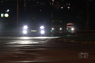 Motoristas reclamam de falta de sinalização na Avenida Perimetral Norte, em Goiânia - Os motoristas também relatam insegurança e a ocorrência de muitos assaltos.