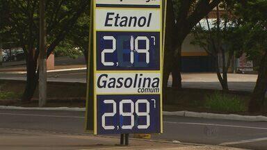 Motorista paga maior valor pelo etanol em três anos - Mesmo com produção em alta, combustível já sofreu três aumentos desde dezembro do ano passado.