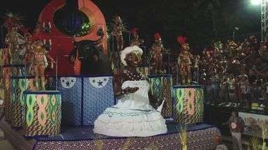 Carnaval de Cubatão, SP, teve a Independência do Casqueiro como campeã - Com enredo sobre a libertação dos escravos africanos, a agremiação ganhou o seu nono título consecutivo de campeã do Carnaval cubatense.