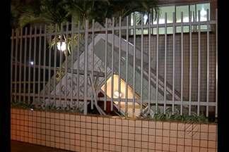 Guarita de edifício desaba no bairro da Pedreira, em Belém - Guarita de edifício desaba no bairro da Pedreira, em Belém