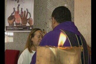Início da Quaresma para família católica na Paraíba - A quarta-feira de cinzas é cheia de significado para os católicos. A missa de cinzas marca o início da quaresma e a abertura da Campanha da Fraternidade.