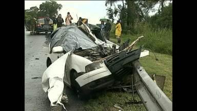 Vítimas do acidente na BR 376 vão ser enterradas em Cianorte - Cinco moradores da cidade morreram no acidente.