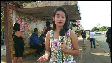 Parceiros do DF denunciam falta de ônibus em Taguatinga - Moradores da QNL reclamam que está faltando ônibus por lá. Quem mora nas quadras de baixo tem de andar muito para pegar o coletivo, isso quando ele passa.