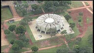 Atrações turísticas têm visitas limitadas por causa da burocracia - Algumas atrações turísticas de Brasília têm as visitas limitadas, apesar de estarem pronta. Isto por causa da burocracia.