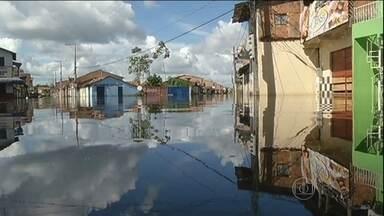 Previsão é de chuva na região Norte - A chuva atinge principalmente Rondônia, Acre e Pará, onde os rios não param de subir. Mais de 1,2 mil famílias estão desabrigadas ou desalojadas.