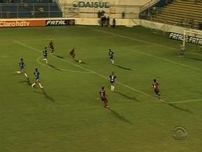 Pelotas perde para o Caxias e é rebaixado para a Divisão de Acesso - Jogo terminou em 3 a 0 para o Caxias.