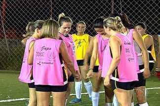 Vem, Thaís! GE visita time de gatas em Goiânia - Jardim Mariliza em jogo de mulheres e recebe o Globo Esporte.
