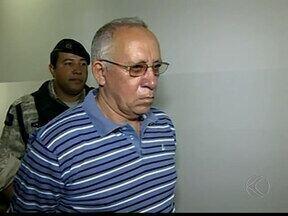 Acusado de matar três irmãs em Uberaba é condenado - Edson Fernandes confessou matar mulheres com podão em 2011. Advogado de defesa vai recorrer considerando laudo de insanidade.