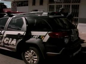 Jovem acusado de assasinato se apresenta à polícia em Erechim, RS - Crime ocorreu no bairro Progresso.
