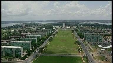 GDF retoma projetos que permitem a ocupação de vários terrenos na área tombada de Brasília - A decisão saiu do Conplan e 18 membros aprovaram, por exemplo, o artigo que permite a criação da Quadra 901 Norte, que terá prédios. Foi aprovada também a criação da Quadra 500 do Sudoeste.