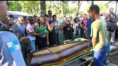 PM de UPP é assassinado no Rio - Leidson Acácio Alves Silva foi morto em uma área ocupada por uma UPP. É o quarto policial morto em pouco mais de um mês.