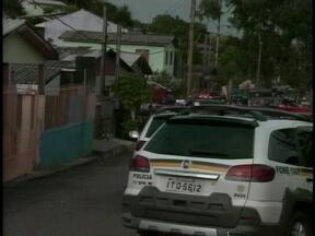 Dois homens são presos em operação da Polícia Civil em Campinas do Sul, RS - Adolescente de 16 anos foi apreendido em uma casa portando um revólver calibre 38.