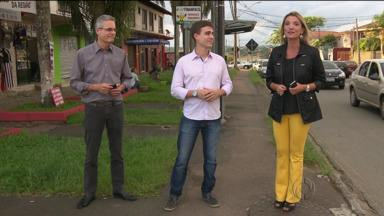Nossos repórteres testam três formas de se conseguir um táxi em Curitiba - O chamado por telefone foi o mais demorado.
